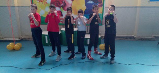 Первые успехи юных боксеров